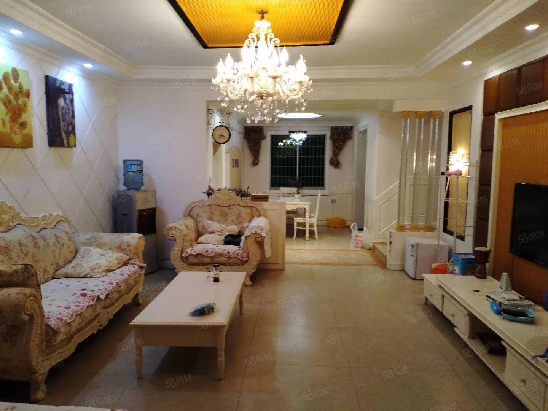 金滩,步梯低层,精装3房出租,家电齐全,拎包入住。