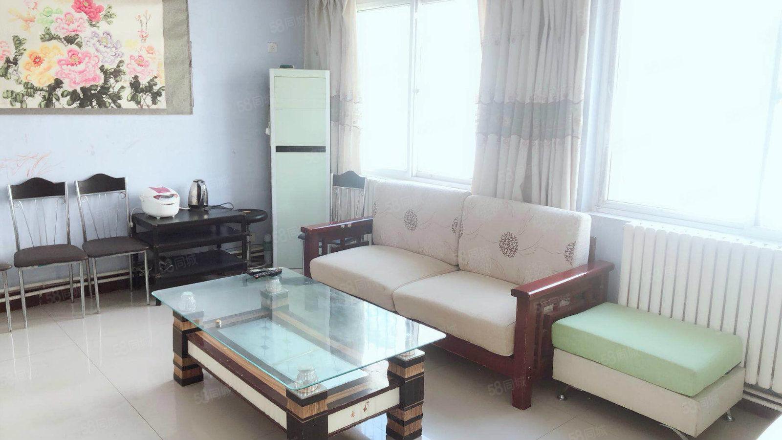 整租五环小区精装一室随时看房拎包入住万达泰和家