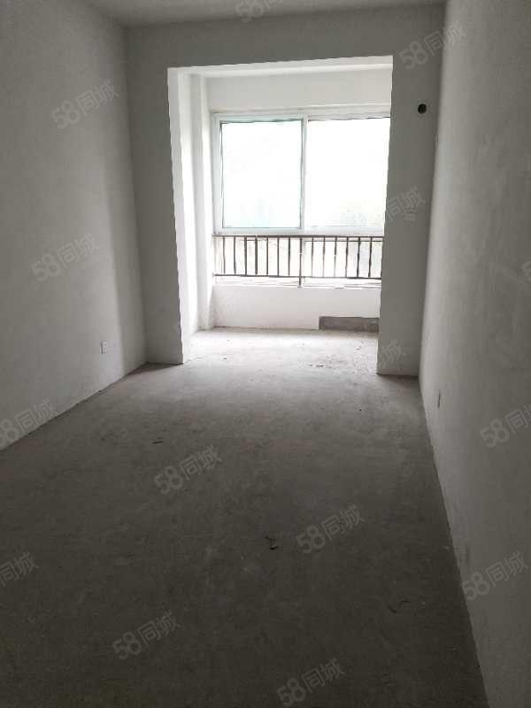 龍城御園電梯房三室戶型不錯有證可首付可貸款學區房房東急售