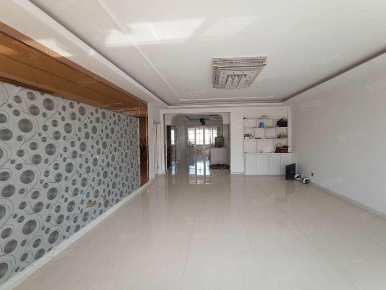 聚鑫佳苑顶楼电梯房139.48平可贷款南北通透两室