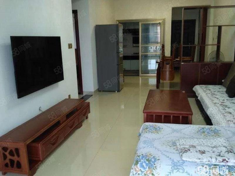 椰澜湾精装大两房干净整洁拎包入住