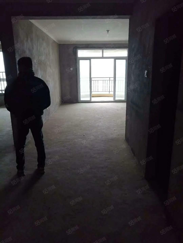 维拉公馆房屋出售106平方就卖48万房东急售就卖这几天