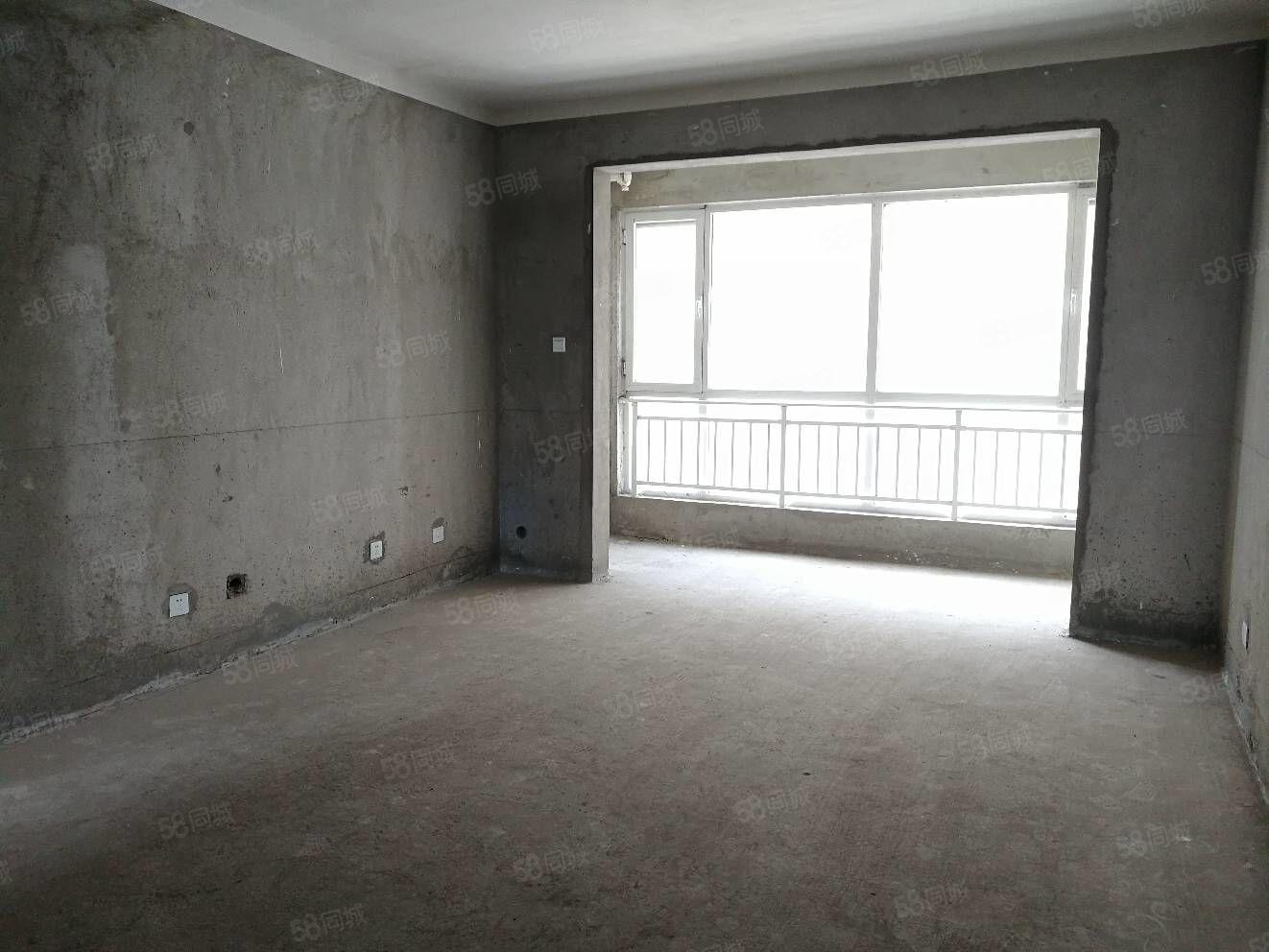 青屏苑,5000多一平。可改一手合同,三室两厅一卫