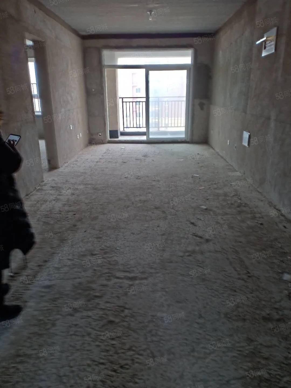 绿城澜园4室2厅能走一手房,