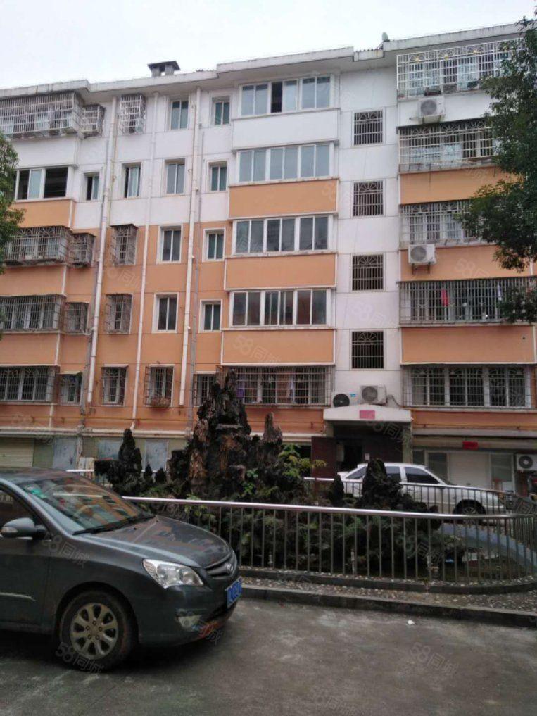 碧桂园口龙祥小区标准三房,带一个26平方的车库,看房方便