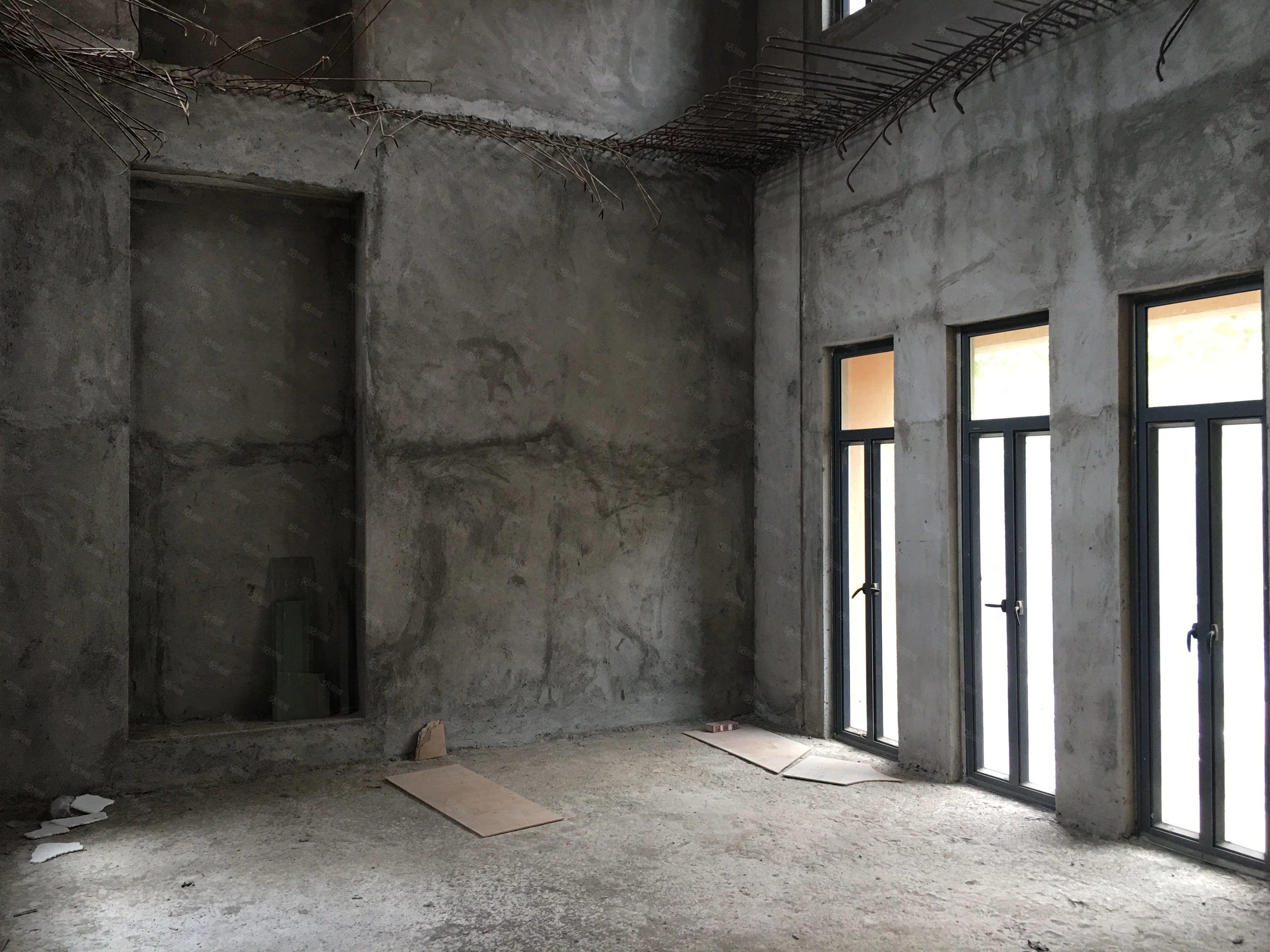 御墅龙山别墅380平方有地下室南北向花园129平方