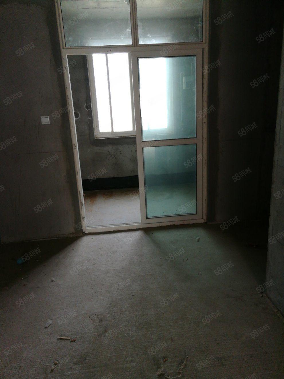 中青国际3室2厅1卫一期的好房子带柴房