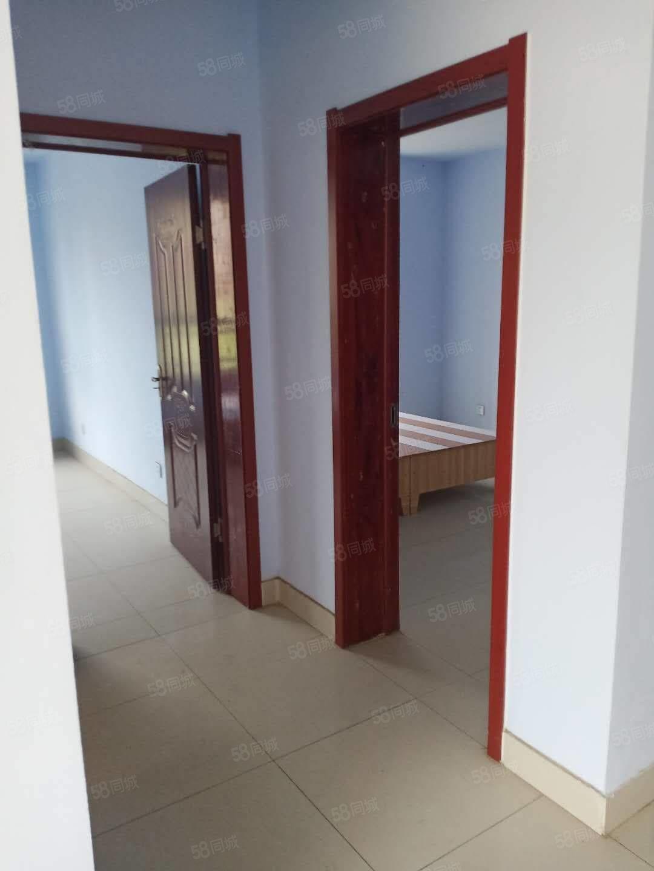开发区学区房小三室带车库简单装修不动产证可接贷款