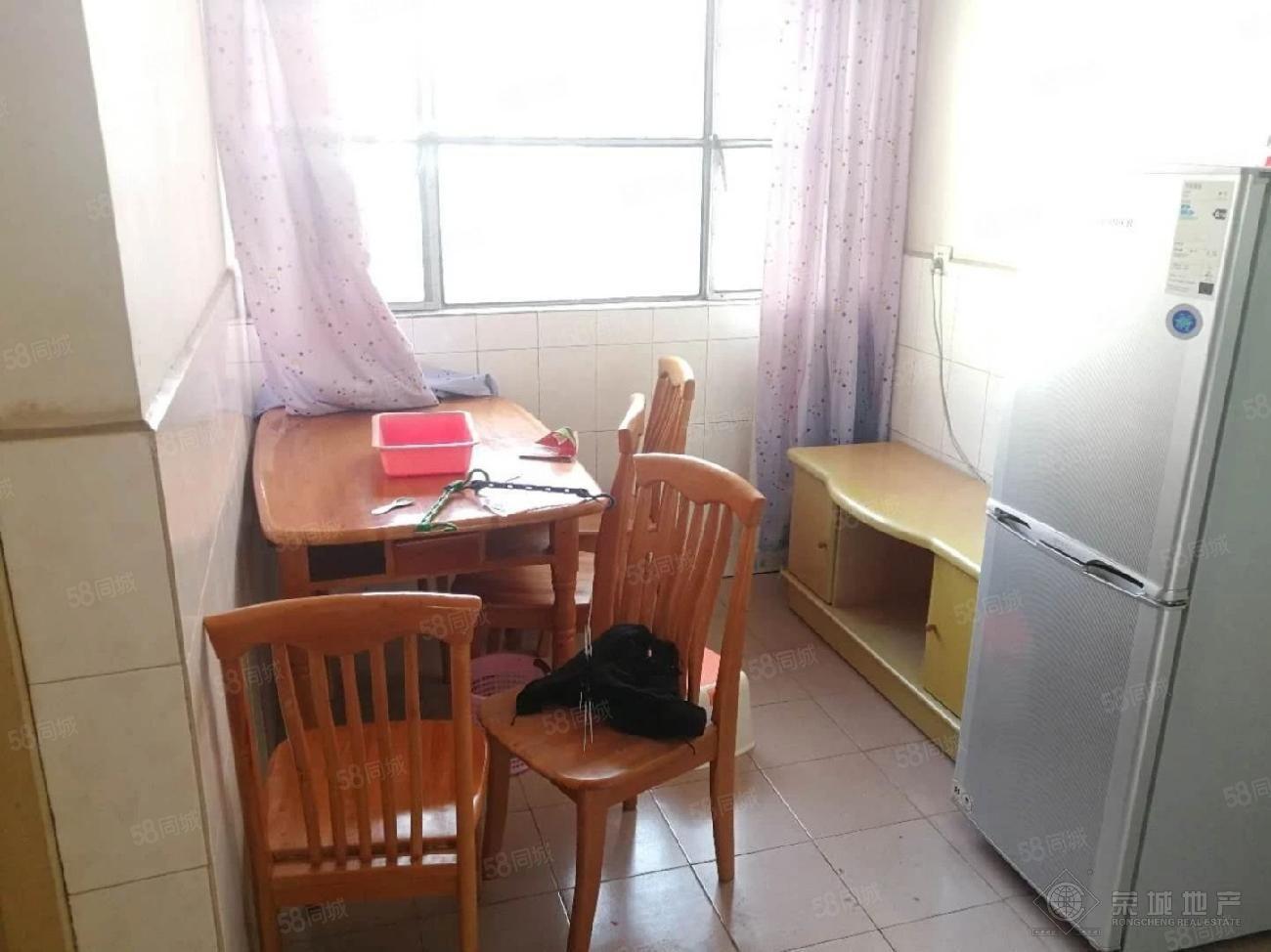 龙马路高速管理段两居室带家具家电过渡时期