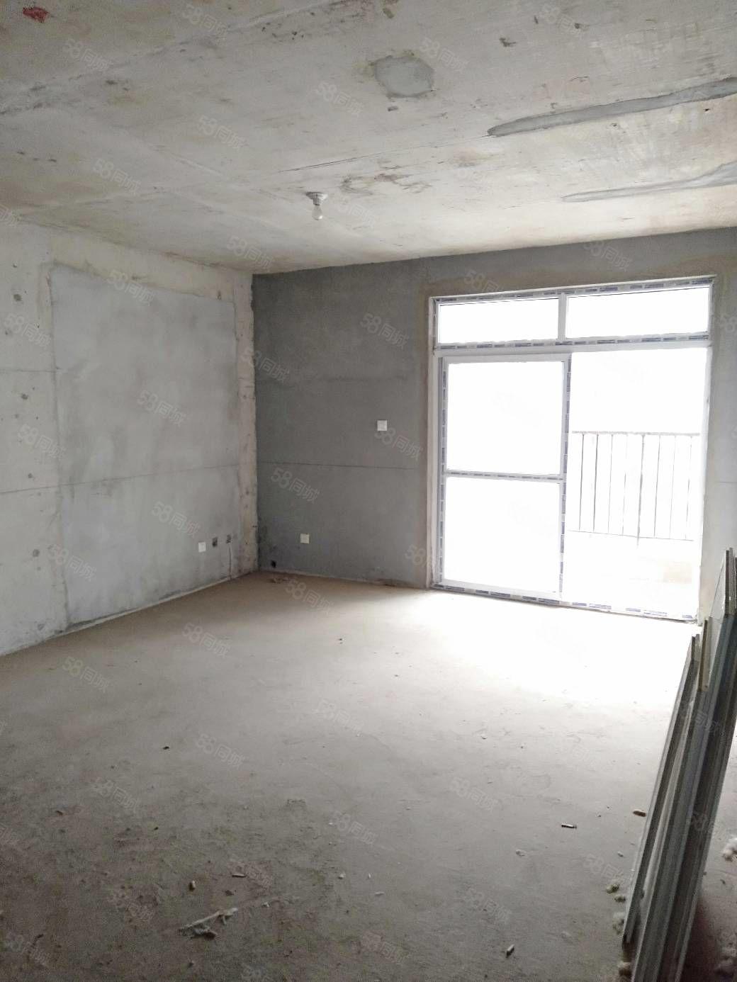 江边中青国际二期128平3室2厅66万可按揭
