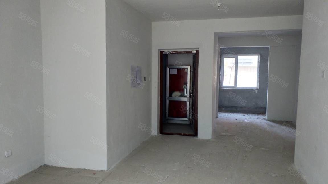 阳光新城4600平,储藏室16平无转让费包更名,一手房可贷款