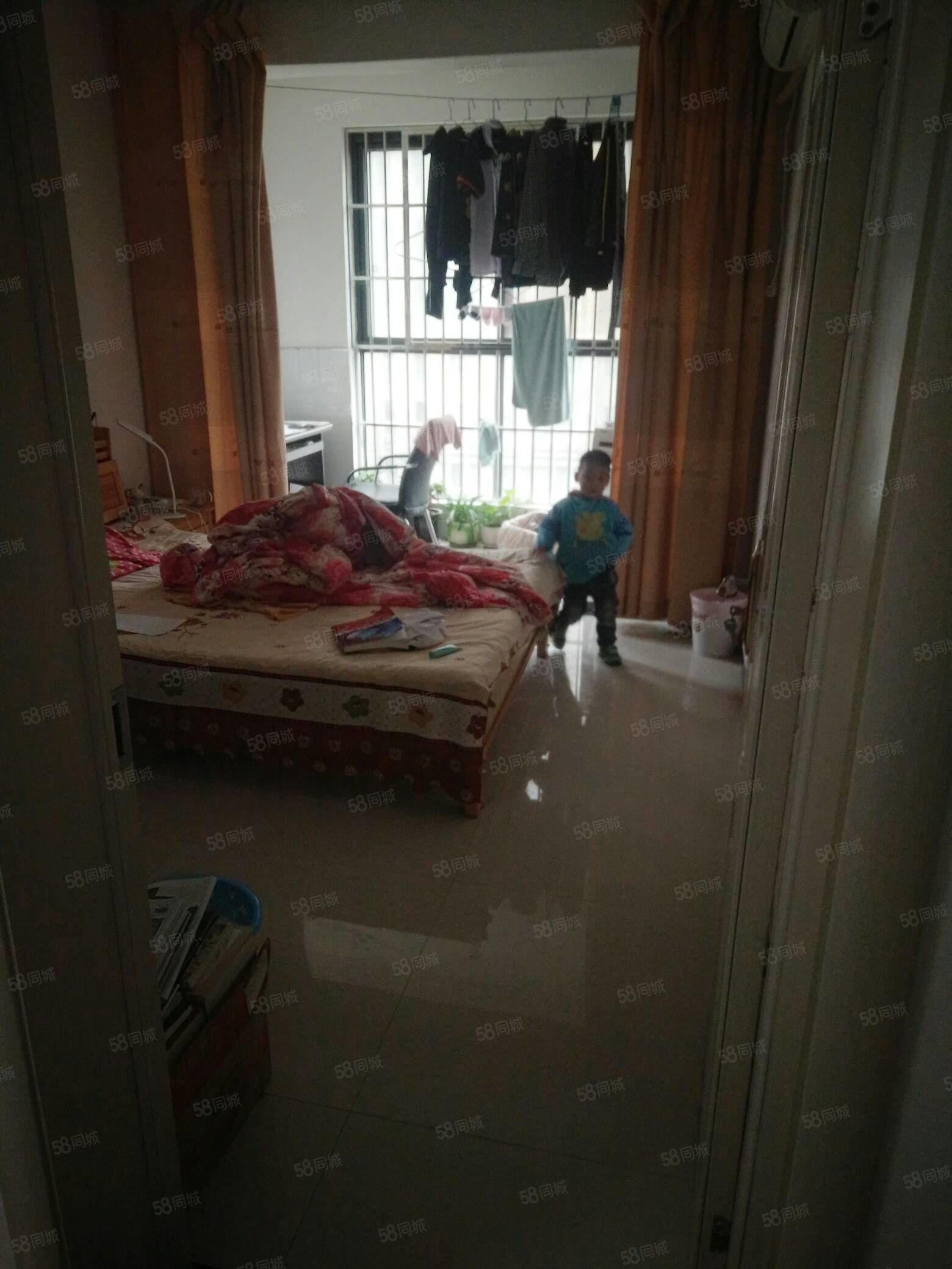 中禾英郡6楼两室两厅精装家具家电齐全有房产证可按揭