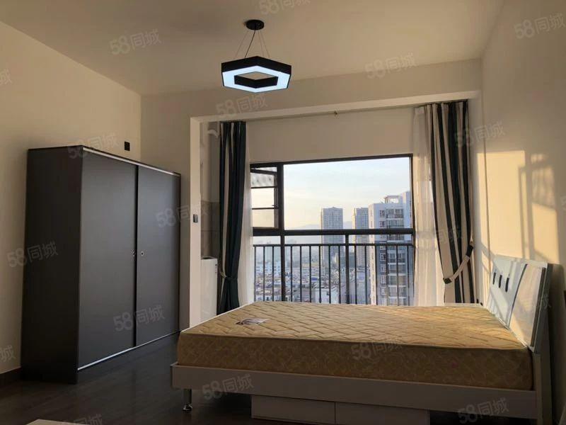 时代广场豪华装修公寓