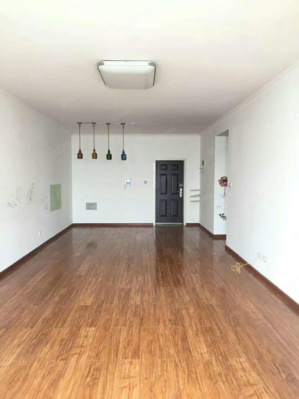 江边海德理想城大2室102平米可改3房可按揭