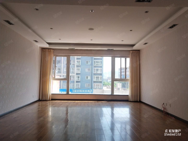 时代广场157平米116万精装修四室两厅两卫南北向