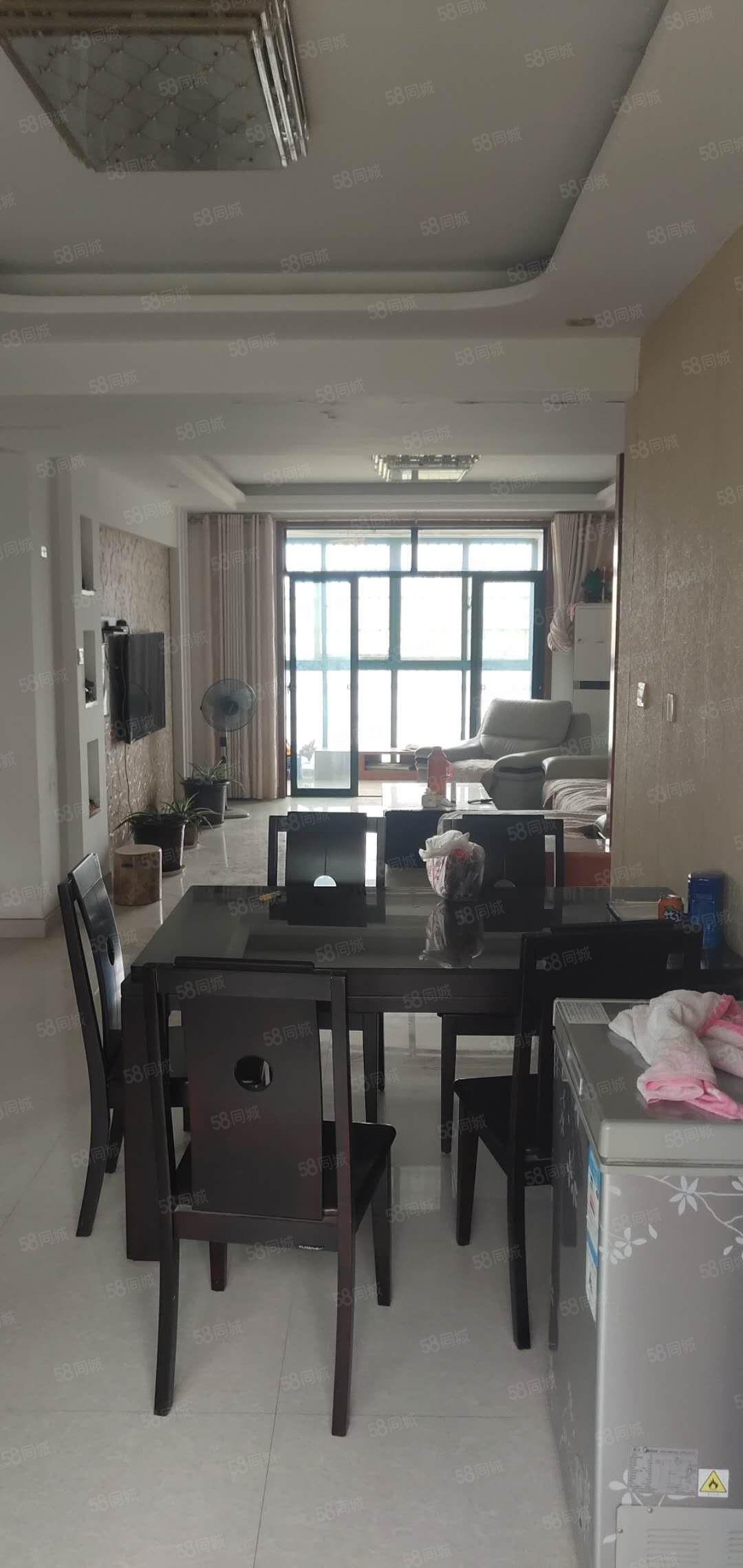 天利明珠湖景房,118平精�b好采光,��25平��焓�55.8�f
