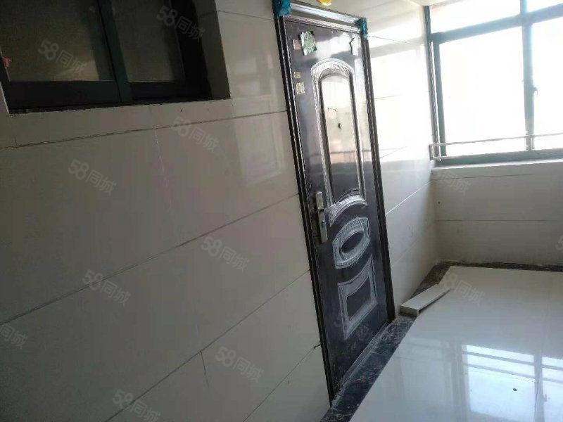 首付6万,馥泽园电梯10楼35平有证可按揭,性价比超高