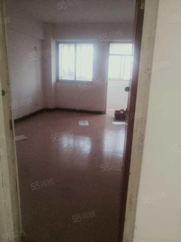 供销社东小区,三室两厅两卫,办公居住均可