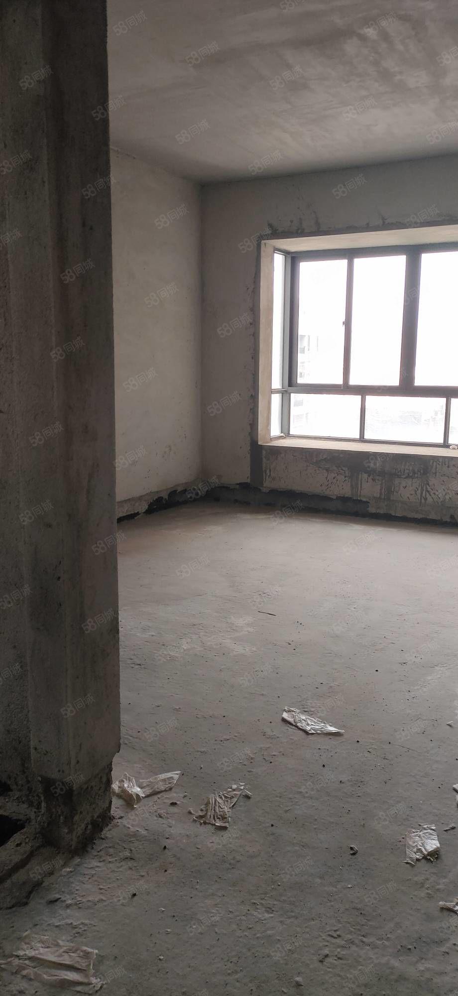 嘉燕高层南向三房一口价5800一方