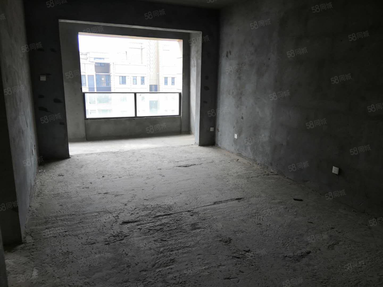 天安世家,两室改三室。温馨三房,随时可更名。