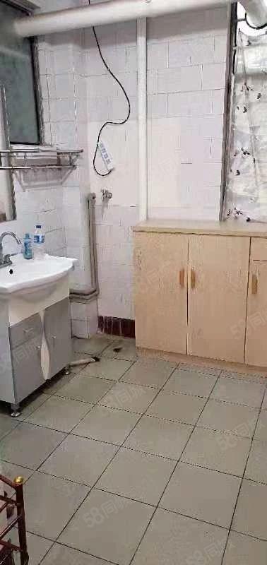 东库生活区900元3室2厅1卫中装,好房百闻不如一见!