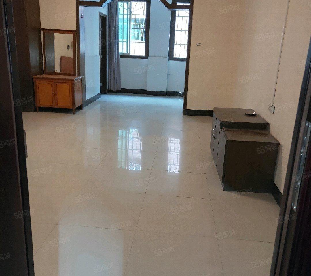 南长城金滩桃苑公寓房2楼50平米设备齐全1200元出租