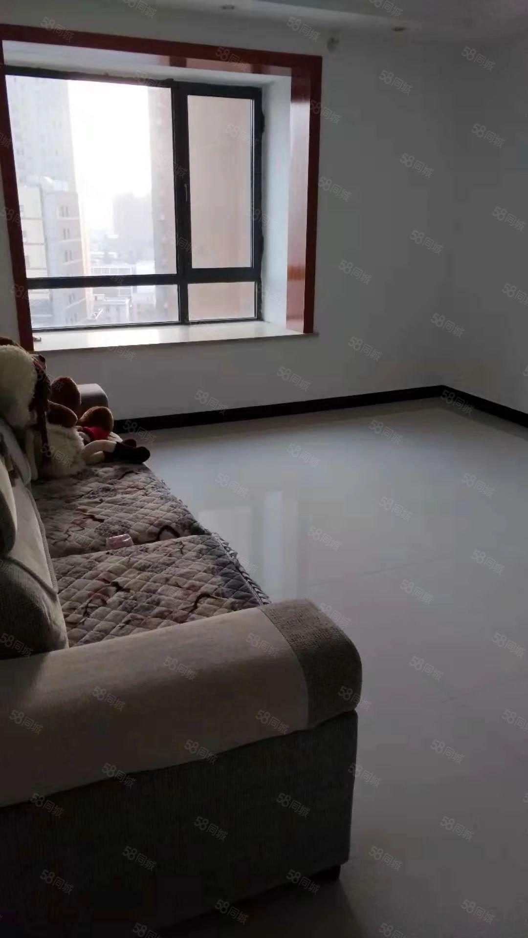 万家灯火11号楼精装三室干净明亮办公居住都适宜随时可看房