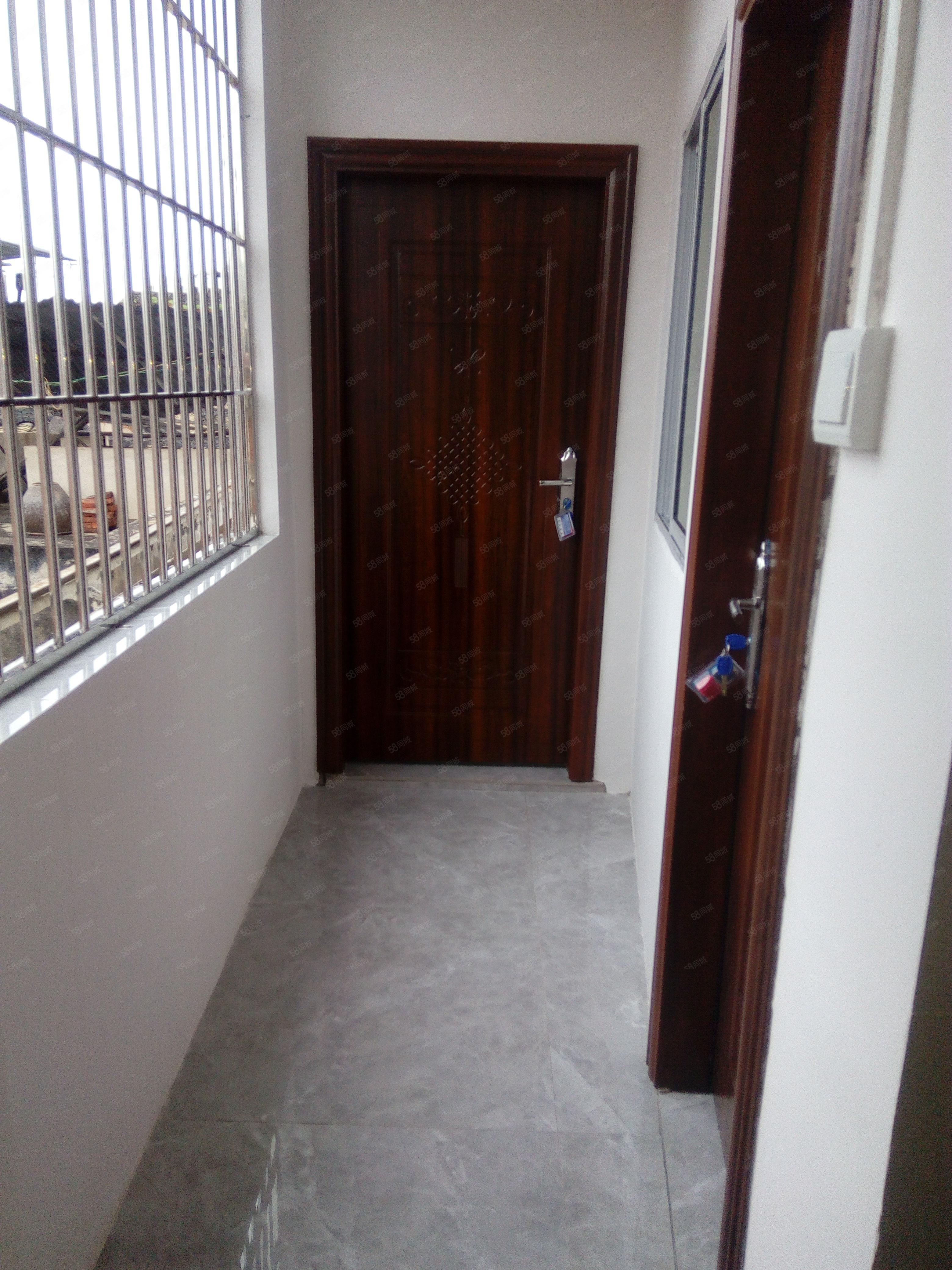 同行直手江北珍珠公园附近3层单体楼5房2厅29.8万出售