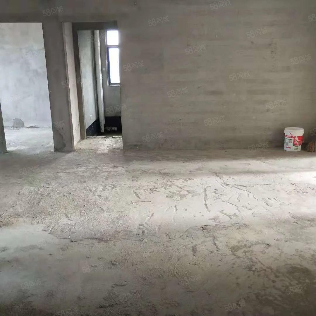 鹏程新都汇四室两厅毛坯房仅售价55万