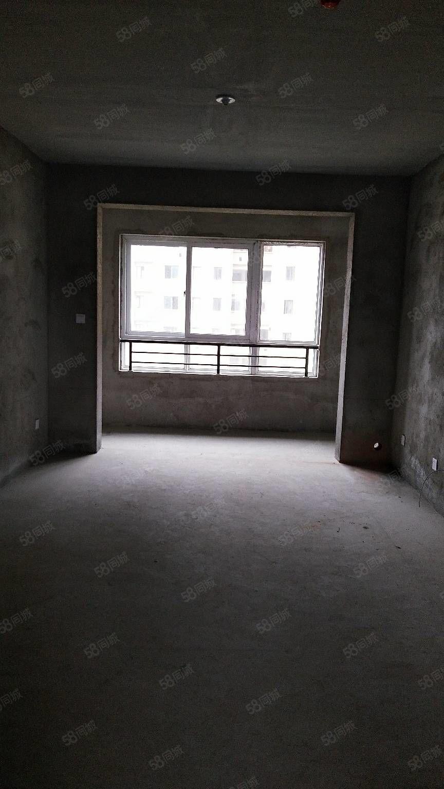 四季花城電梯房,88平毛坯,2室2廳,45萬