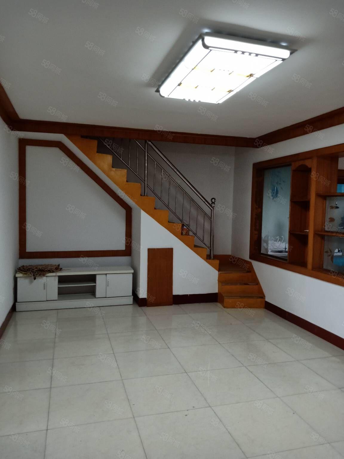 銀杏花園隔壁南門學區房多層5樓帶閣樓精裝送8平方車庫
