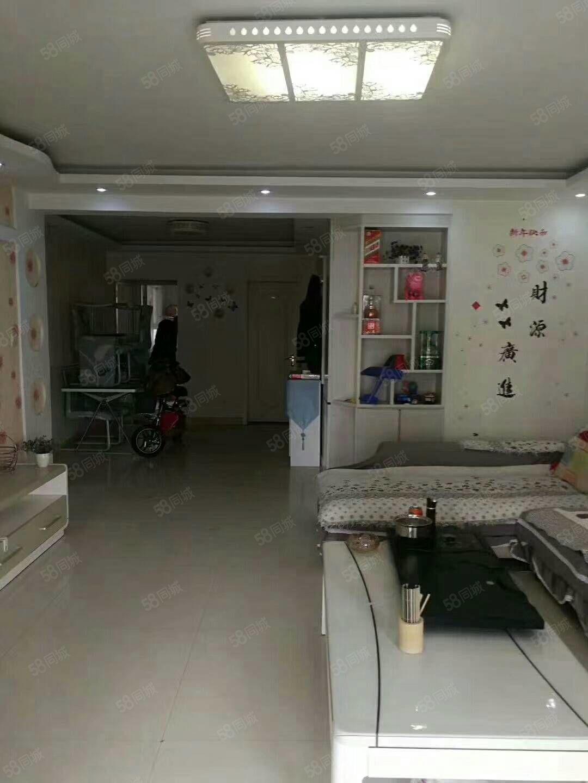 急售金水岸6楼电梯光景房,113平3室2厅中等装修,南北通透