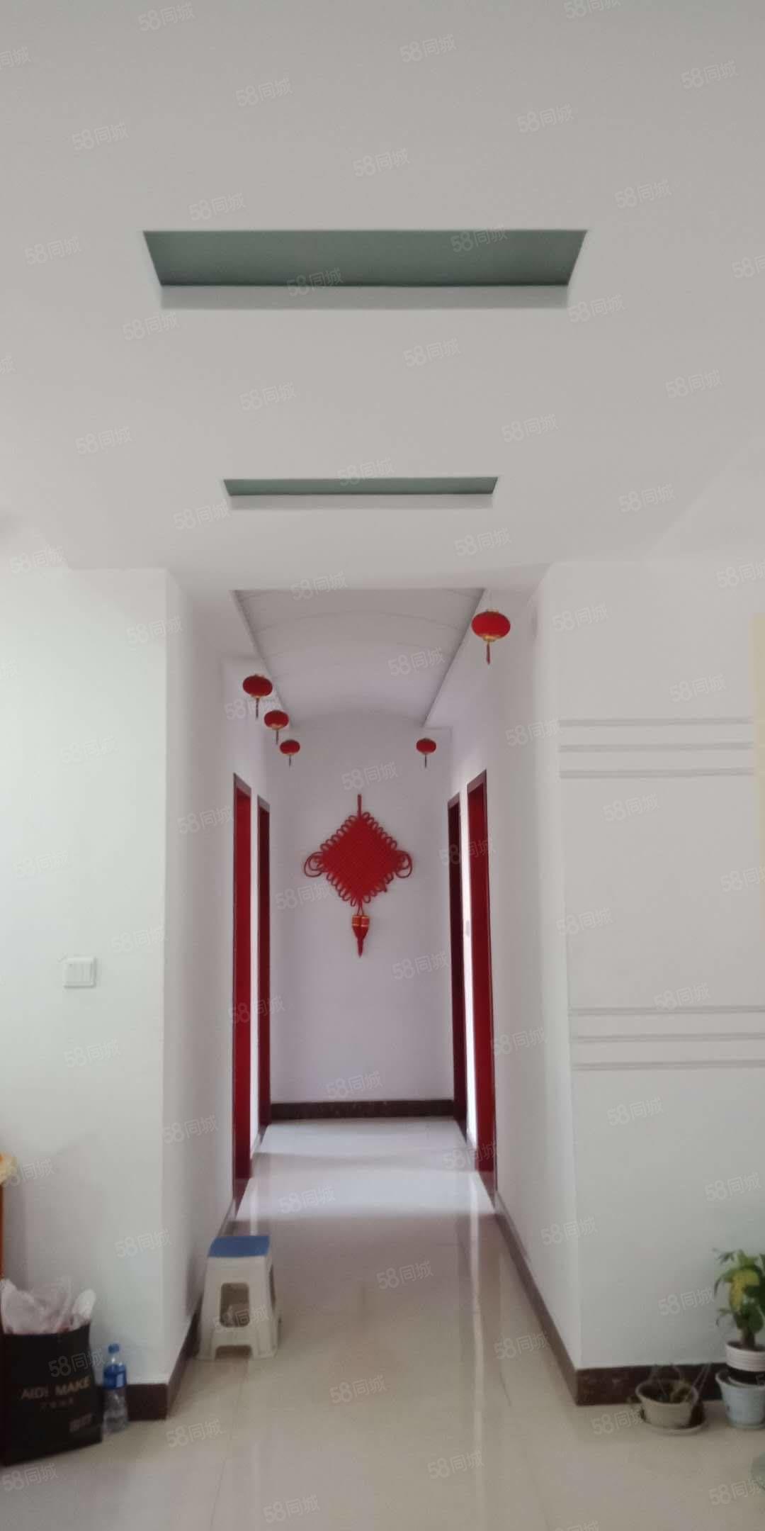欧洲小镇5楼4室2厅2卫