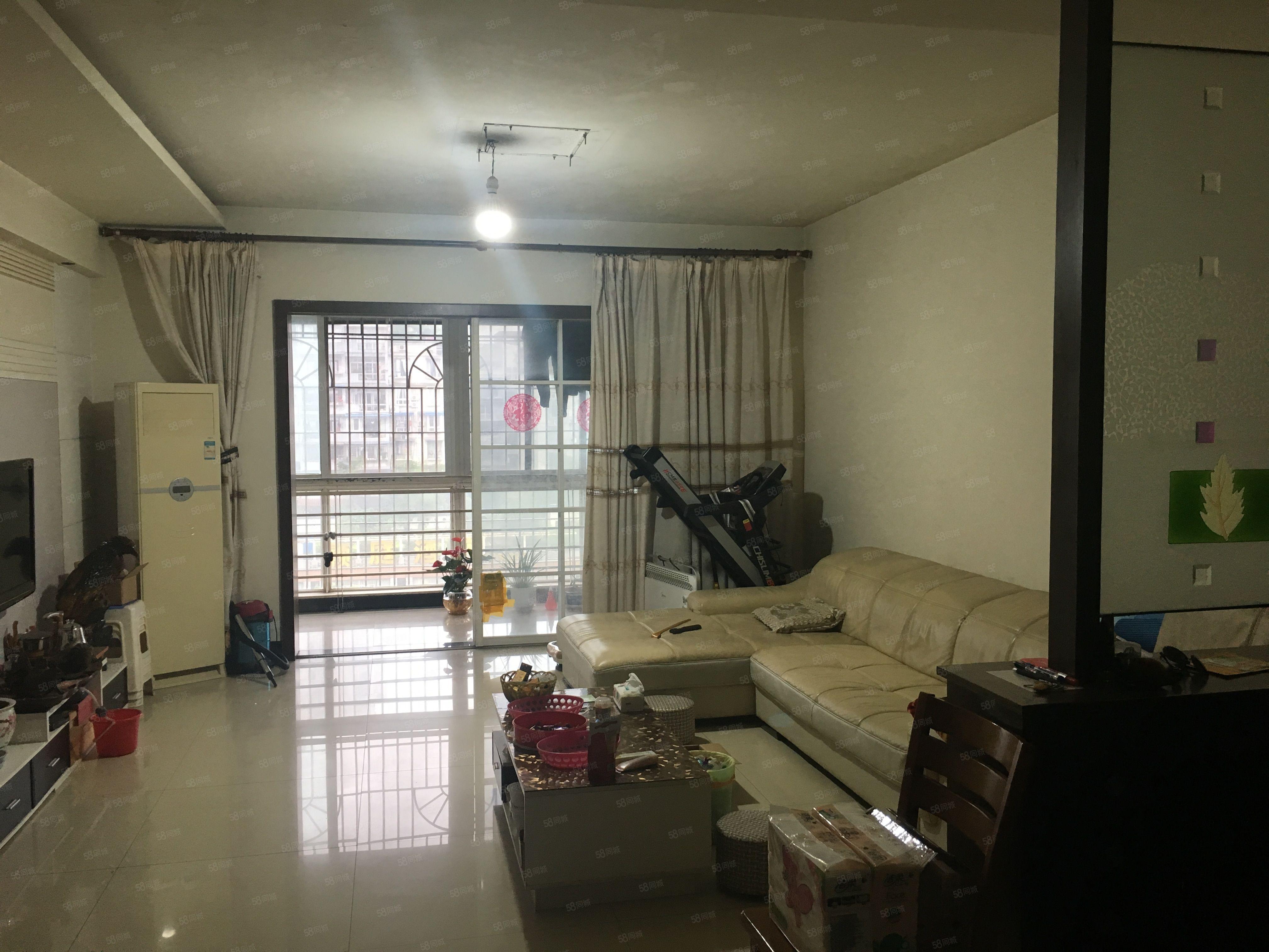 真实急卖!城西南阳花园电梯房梓小片区唯一便宜大三室!