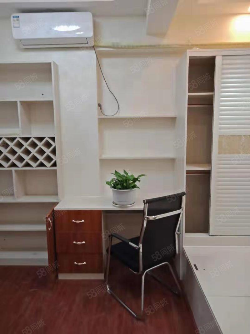 黄河七路渤海九路上海大都会精装一居室家具齐全拎包入住
