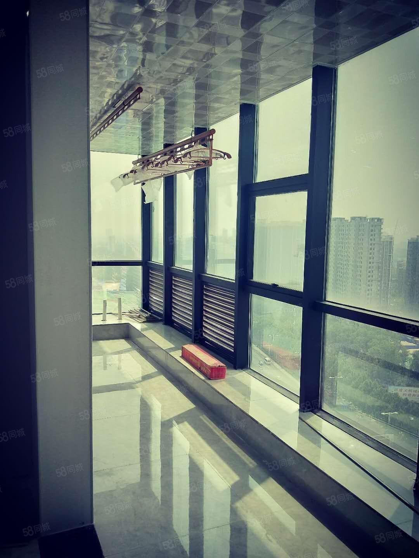 金色东方,朝南户型,落地窗,视野开阔,难得的好户型,装修完毕