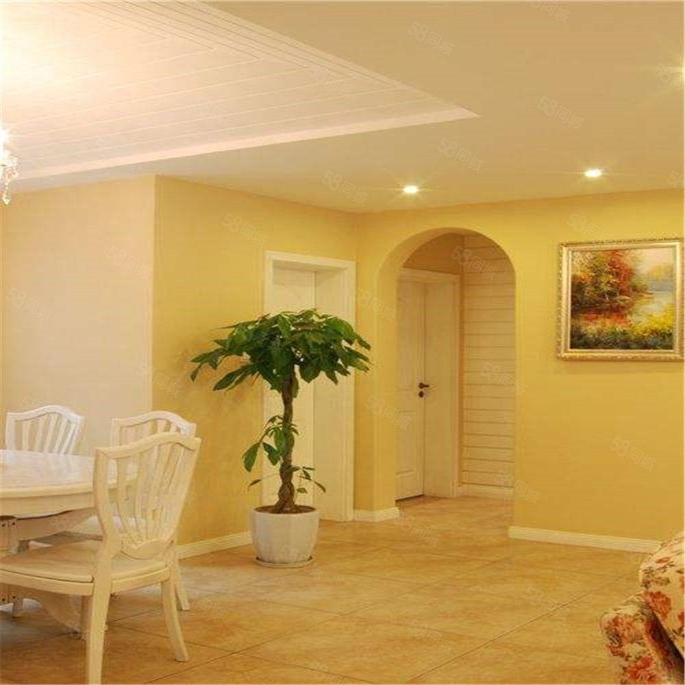凤凰城两室硬装南北通透客厅通阳台环境优雅家主急售可谈