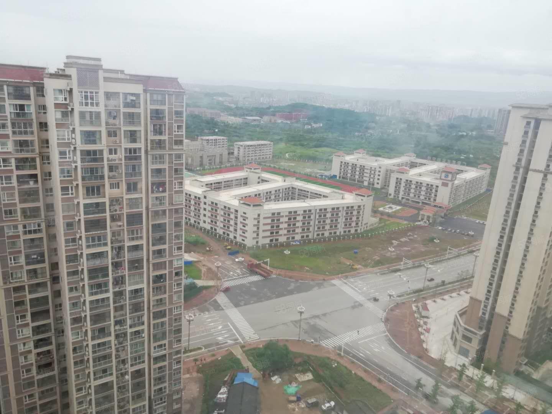 广安枣山两室两厅清水出售,业主急售,一口价,只有一套,压尾款