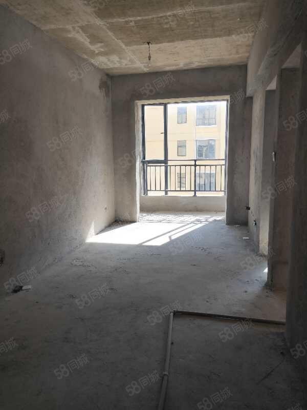 南湖旁邊天德中心品質小區2室的僅售36.4萬