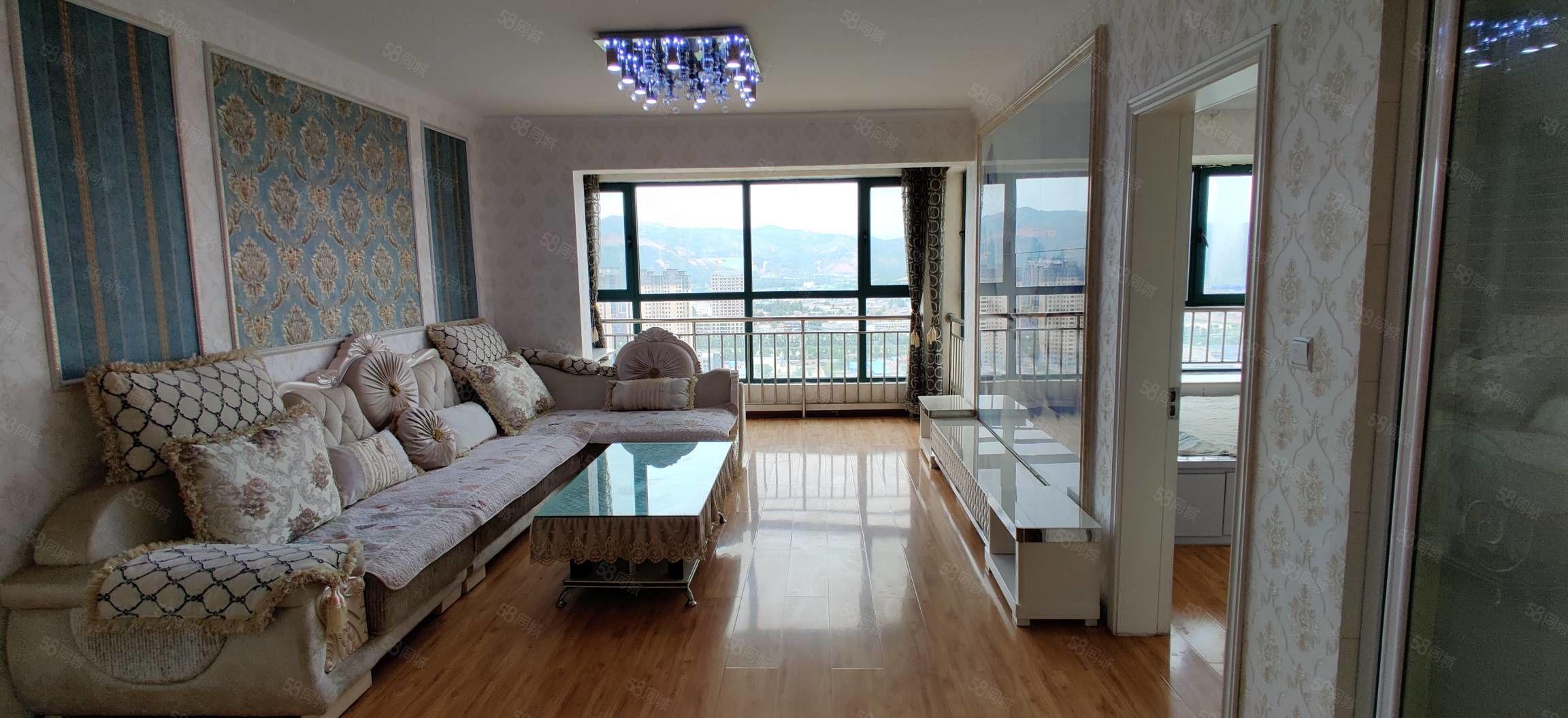 南園小區精裝修帶家具純陽戶型兩室兩廳一衛高層急售