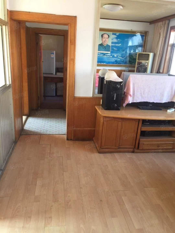 华滨新村两居室、五楼共五层、配套齐全、拎包入住