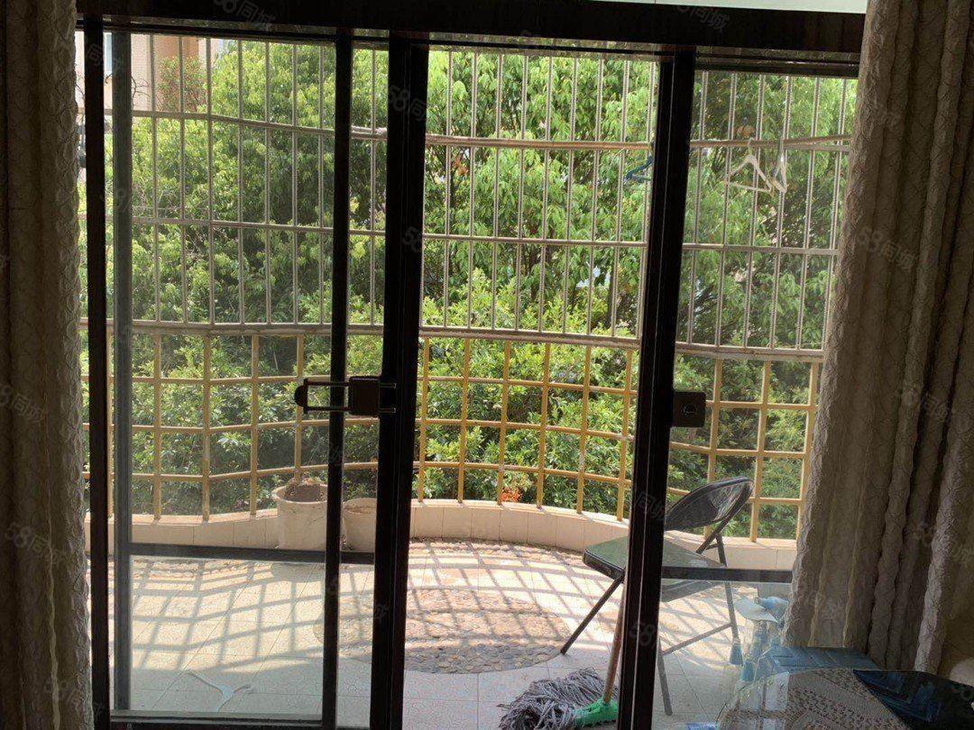 北片区景观房聂耳广场旁龙湖苑2楼带全套家具4室诚心澳门金沙平台