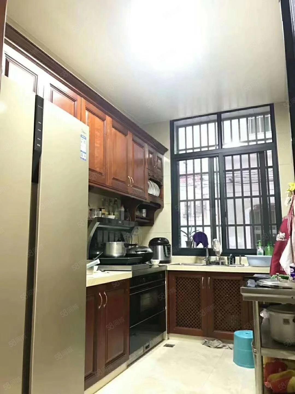 杭川公园附近栋房豪华装修出让地坐北朝南