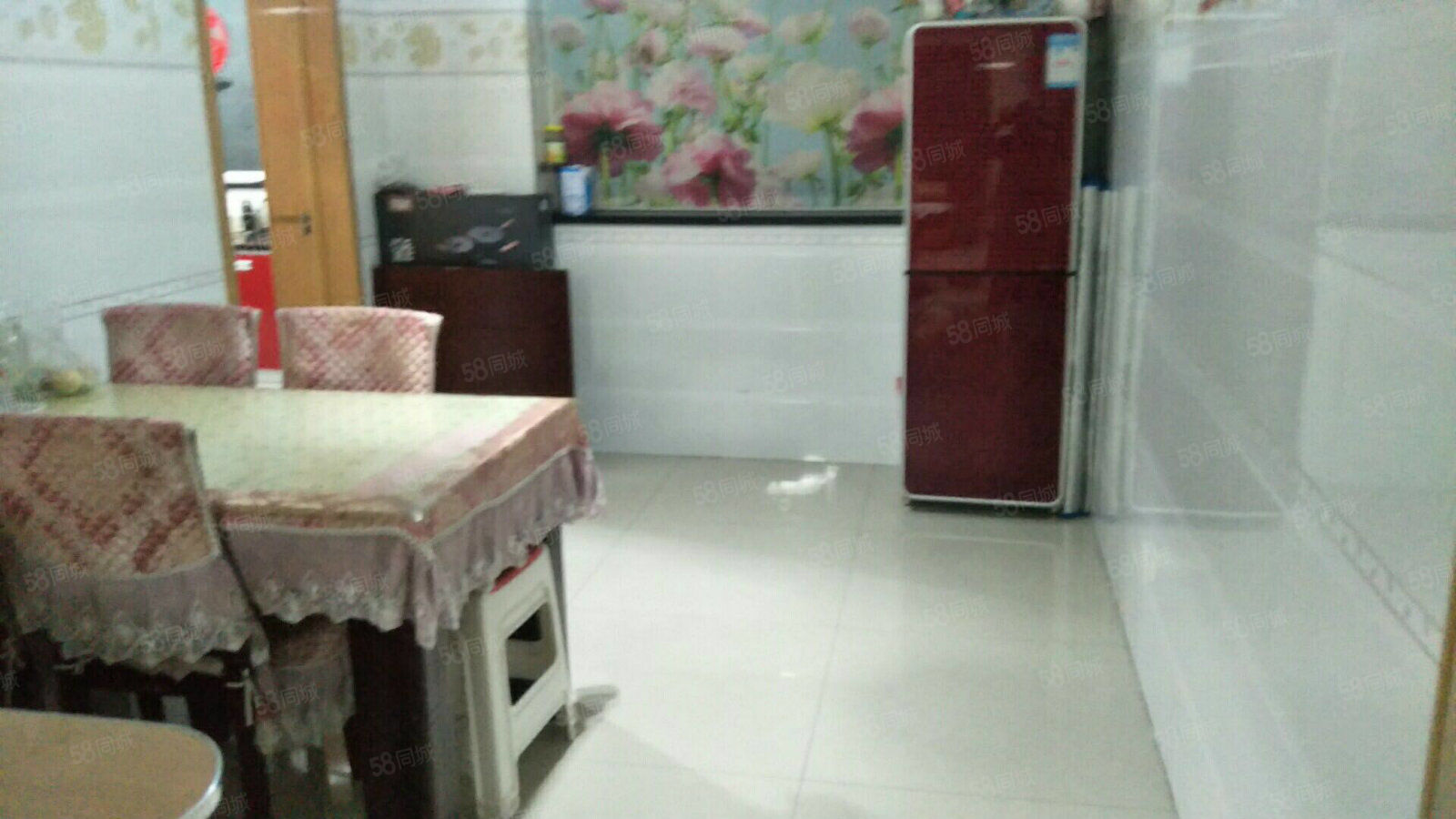 急售鑫隆小区6楼140平大红本装修带家具连开对面