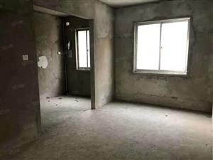 豪泽俪景南北通透四房两房和客厅都是朝南的急卖价格优惠