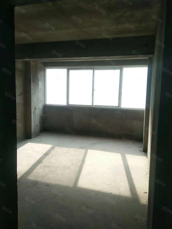 七里站小区二楼130平三室二厅通双气30W