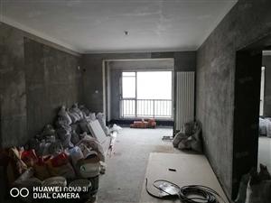 怡海国际方正两居,中间楼层,107平两室两厅两卫,可议价!