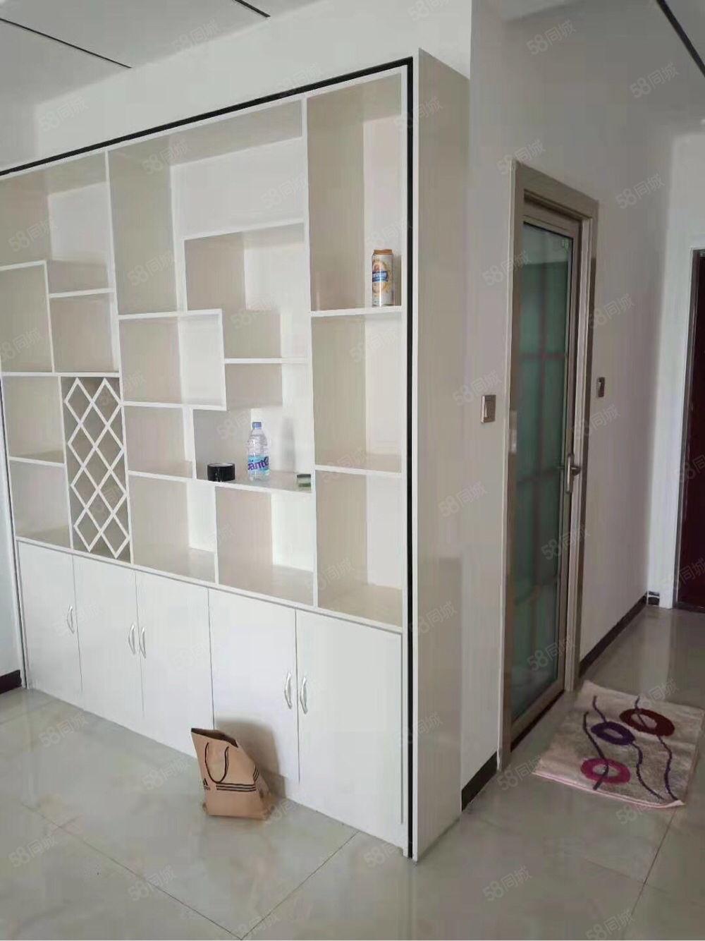 五洲祥城2楼,3室精装修,带家具,拎包入住,年租1.4万