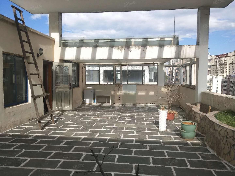 九方附近慧龙新城极品复式楼原房东豪装超大露台白送!
