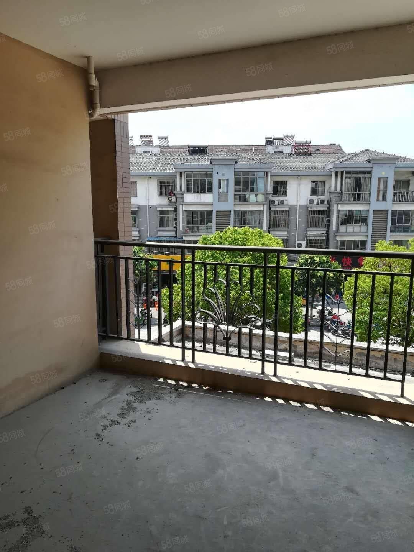 金港镇阳光绿城中间楼层全新毛坯房东急卖有钥匙